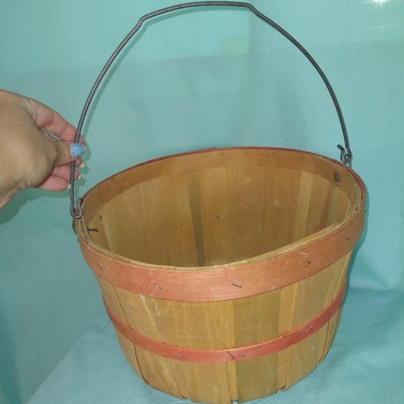 Half bushel produce basket farmhouse decor